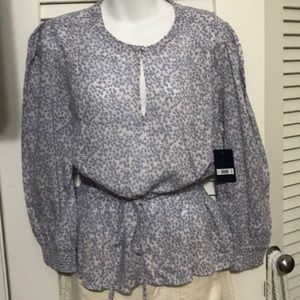NWT! L Lucky Brand top. Excellent condition!!